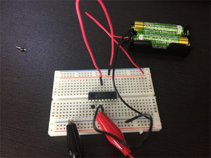 PICマイコン(16F1827)でPWMのテストの配線